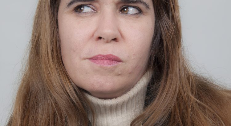 mujer indecisa